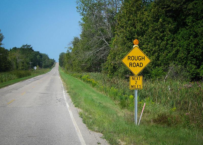 Rough_road_sighn