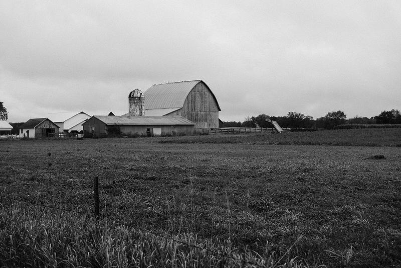 bw_barn_Tues