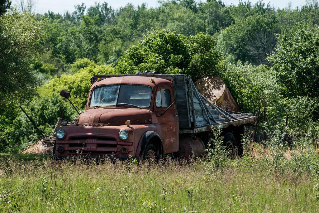 work-truck-in-field