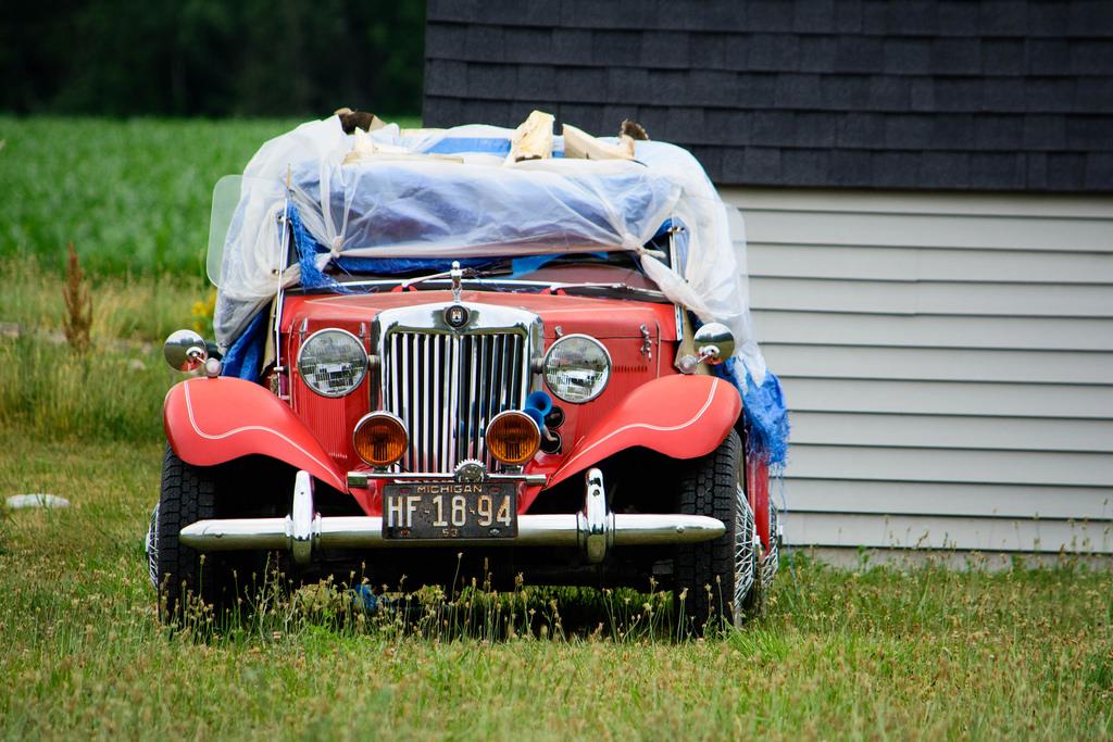 vintage-car-under-tarp