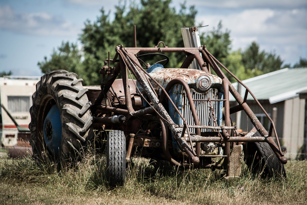 old-ford-tractor