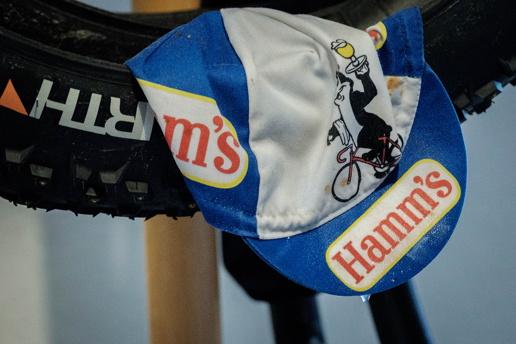 soaked-hamms-cycling-cap