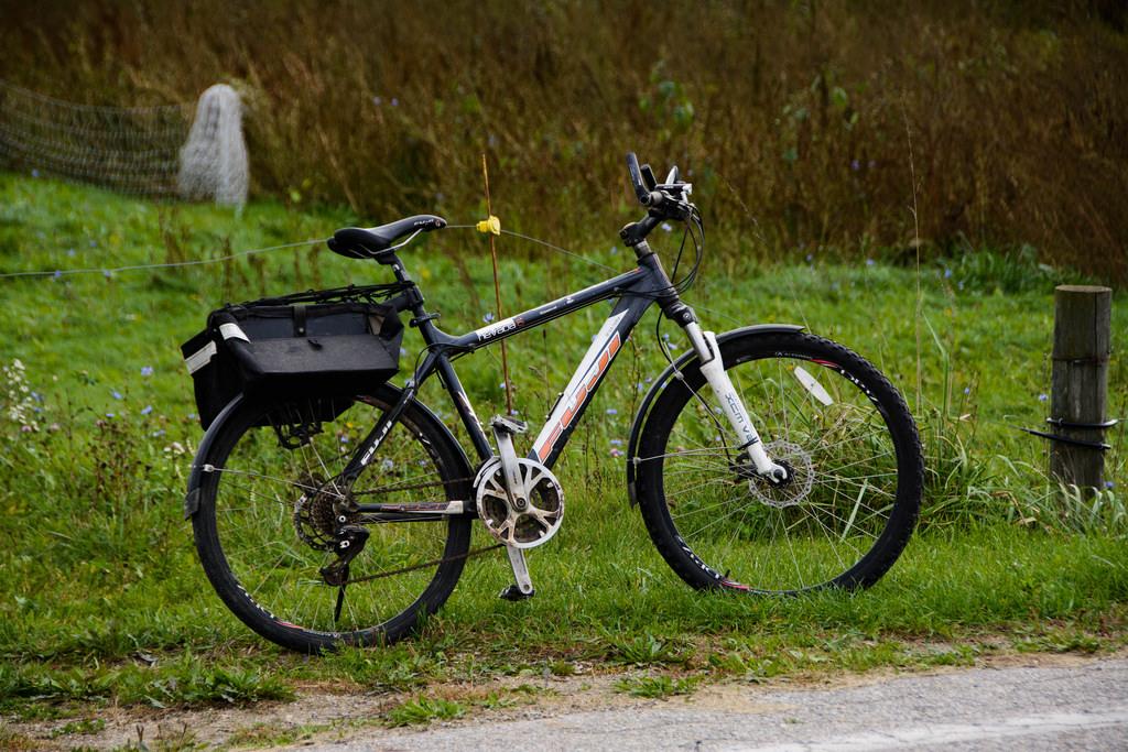 tractor-repair-bike