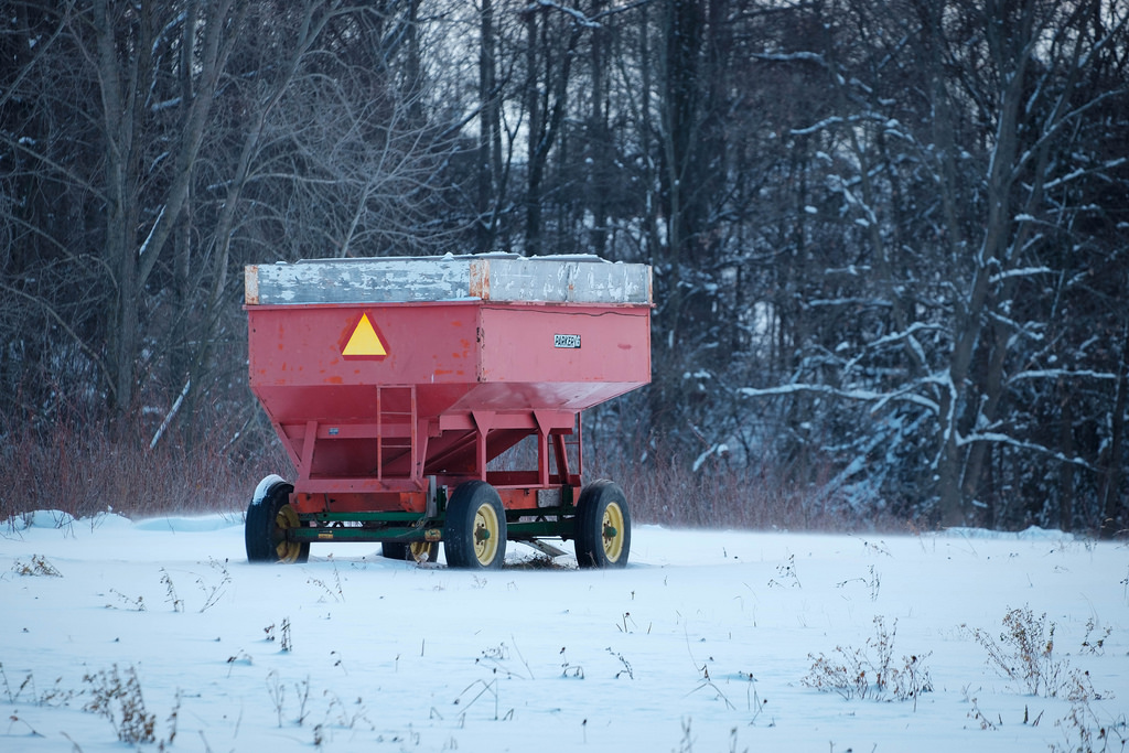 wagon-in-snow
